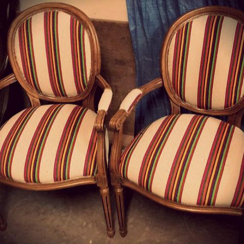 garnisseur bruxelles garnissage fauteuils chaises canap s tout style garnissage auto cuir. Black Bedroom Furniture Sets. Home Design Ideas